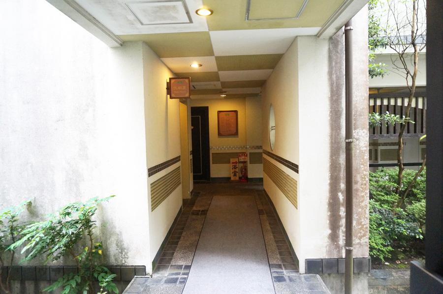 翠紅苑の廊下
