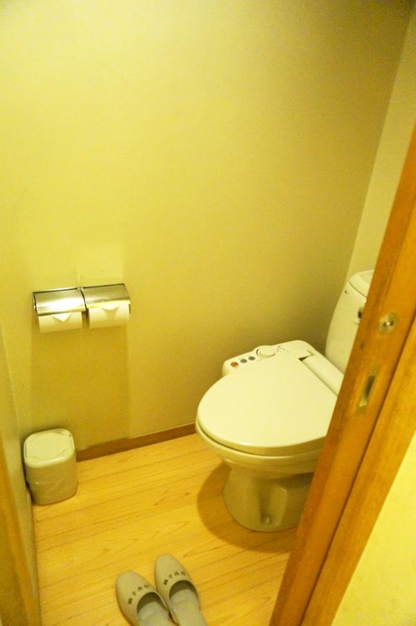 すいこうえんのお部屋のトイレ