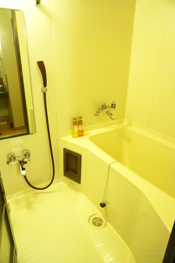 翠紅苑のお部屋のお風呂