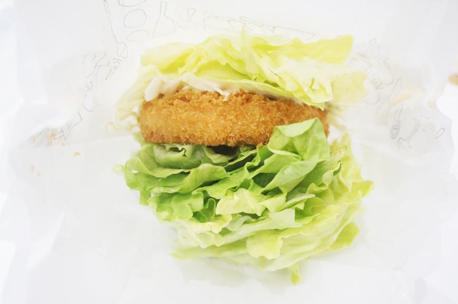 モスバーガーの海老カツ菜摘