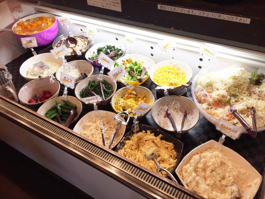 豆三郎のモーニング食べ放題のサラダバー